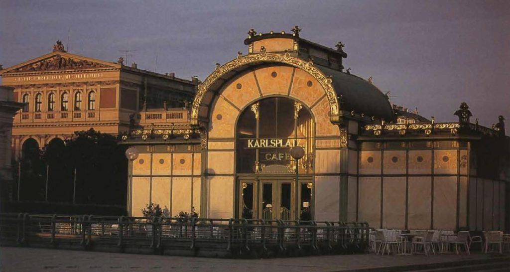 La Karlsplatz est le café construit par Otto Wagner pendant son séjour sécessionniste à Vienne.
