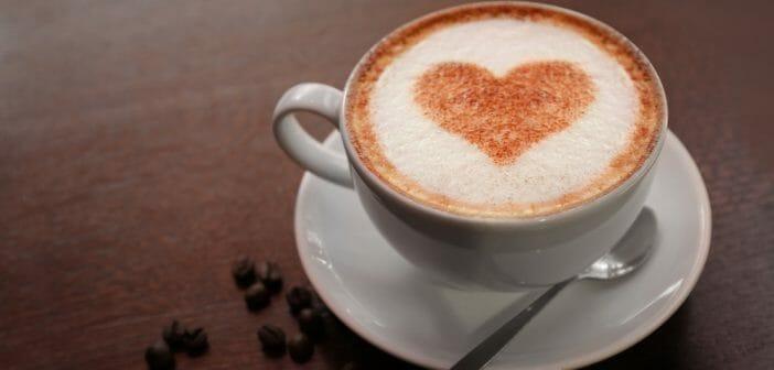 Flat White vs Cappuccino : débat autour du café au lait