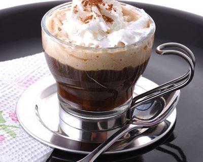Le guide complet des édulcorants pour café