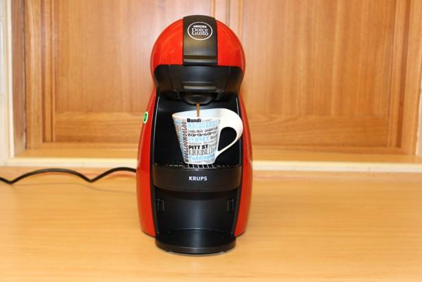 nescaf dolce gusto piccolo par krups une petite cafeti re dosette efficace test avis. Black Bedroom Furniture Sets. Home Design Ideas