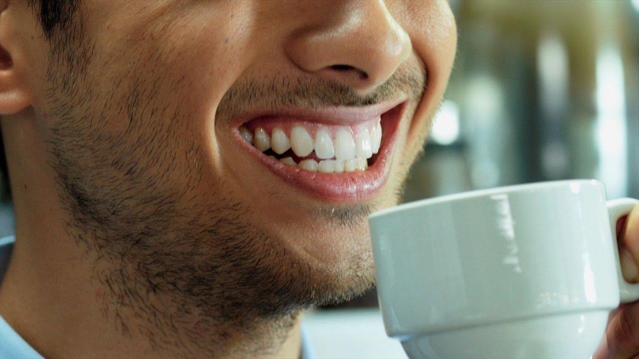 Le café tache-t-il les dents ?