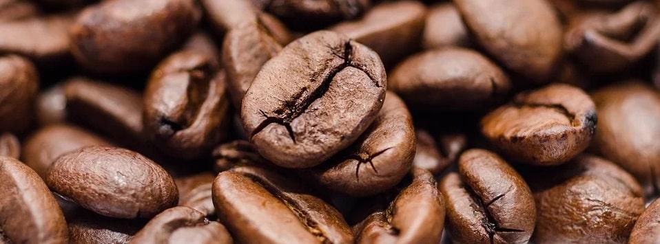 Quelle est la quantité de caféine dans le café décaféiné ?