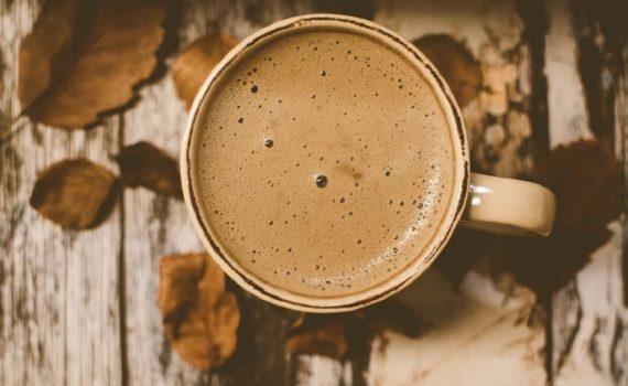 Vous avez sommeil après votre café ? Découvrez comment la caféine peut vous fatiguer