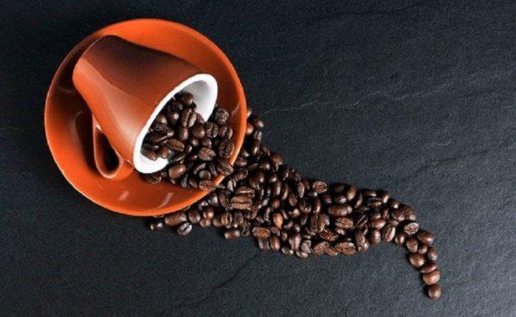 Qui devrait prendre du café et pourquoi?